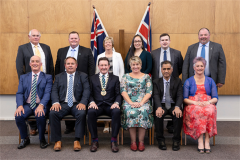 Group photo of the Mayor and Councillors for 2019-2022.